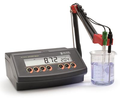 pH Meter แบบตั้งโต๊ะรุ่น HI2210